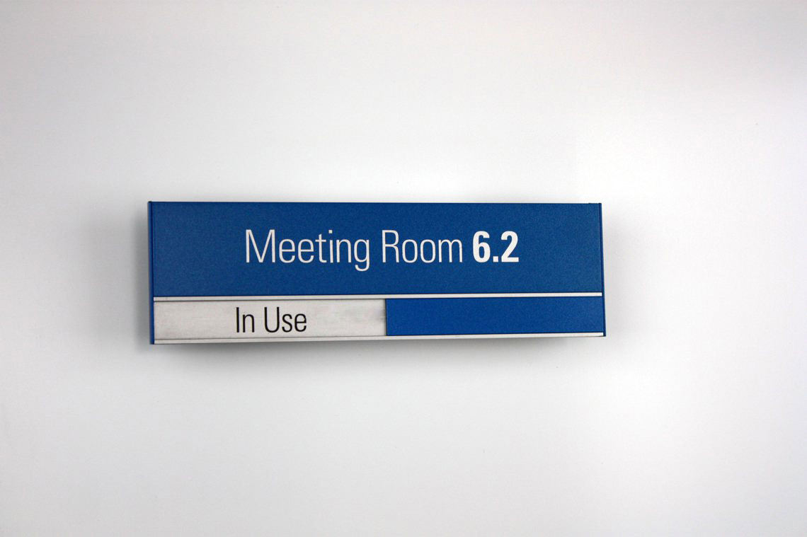 AM Series Meeting Room Sign 210 x 63 with a painted finish